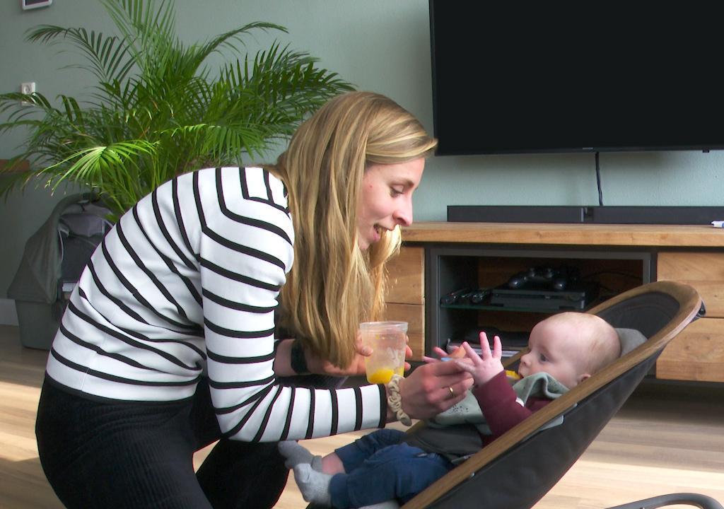Hoe leer ik mijn baby om groente te eten?