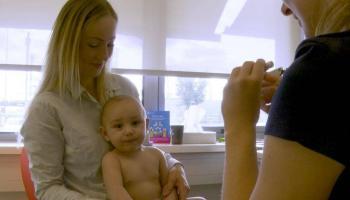 Mijn baby is 6 maanden oud. Waarom ga ik naar het consultatiebureau?