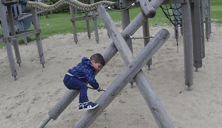 Vlog van Monik: Lekker naar de speeltuin!